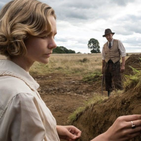 Wednesday 16 June 7.30pmOn the eve of World War II, a British widow hires a self-taught archaeologist to dig up mysterious formations on her land, leading to a staggering find.